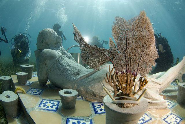 Esculturas bajo el agua en Mexico 1
